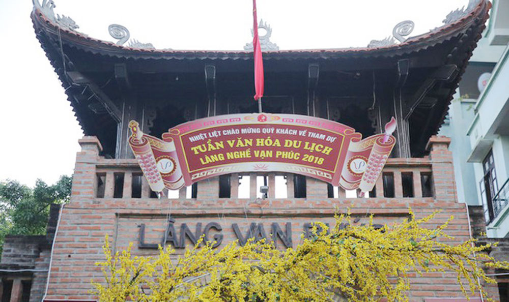Hanoi's silk village to host handicraft festival
