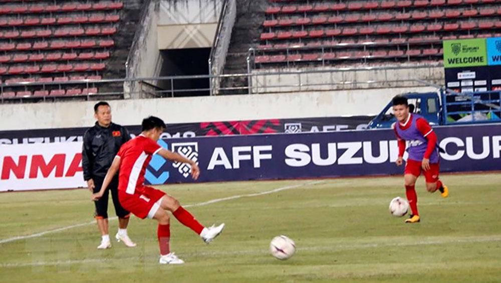 Đội tuyển Việt Nam, đội hình, trận ra quân, Lào, AFF Suzuki Cup 2018