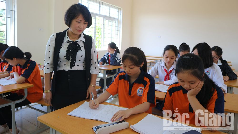 Female teacher gives passion to students