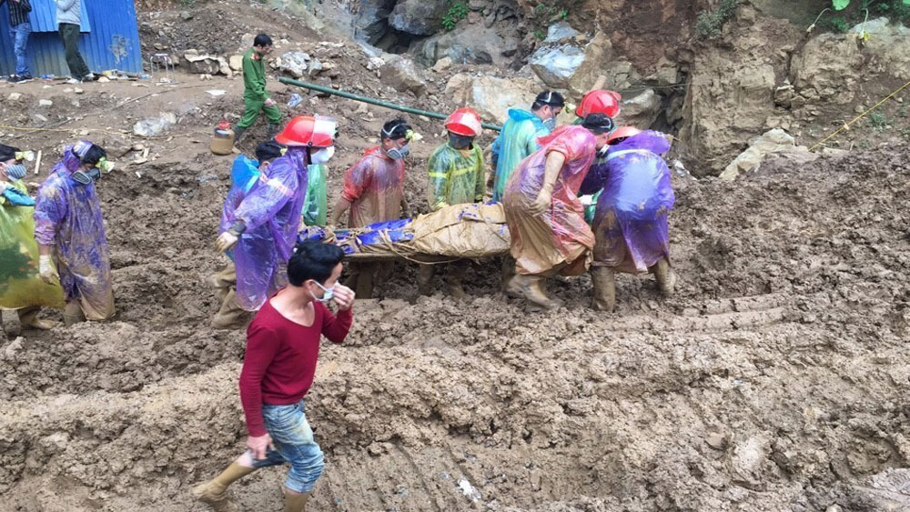 Vụ tai nạn sập hang khai thác vàng trái phép ở Hòa Bình: Tìm thấy một nạn nhân