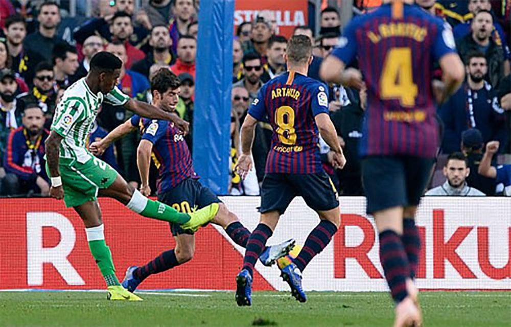 Barca, thất bại trên sân nhà, La Liga, Nou Camp, Real Betis