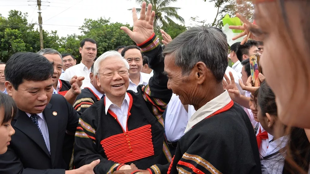 Party, State leader attends solidarity festival in Dak Lak province