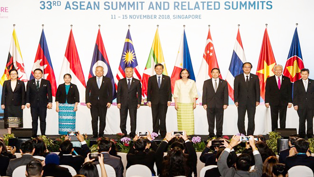 ASEAN countries sign first agreement on e-commerce