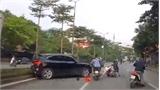 Xe Audi Q5 lùi qua giải phân cách, tông xe liên hoàn tại Hà Nội