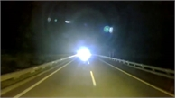 Xe tải giương pha, phóng ngược chiều cao tốc lúc nửa đêm