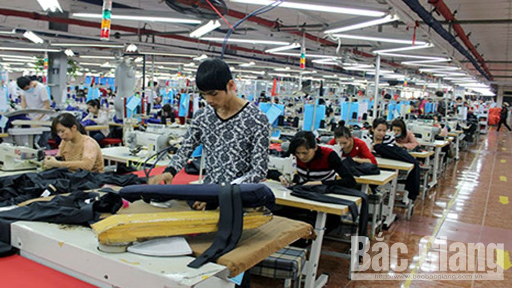 Over 14 trillion VND lent to enterprises to develop production and business
