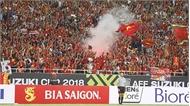 Việt Nam có nguy cơ phải đá sân trung lập vì cổ động viên đốt pháo sáng