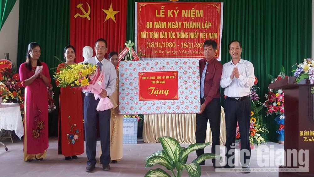 Đồng chí Trịnh Hữu Bàn dự Ngày hội Đại đoàn kết tại Lạng Giang