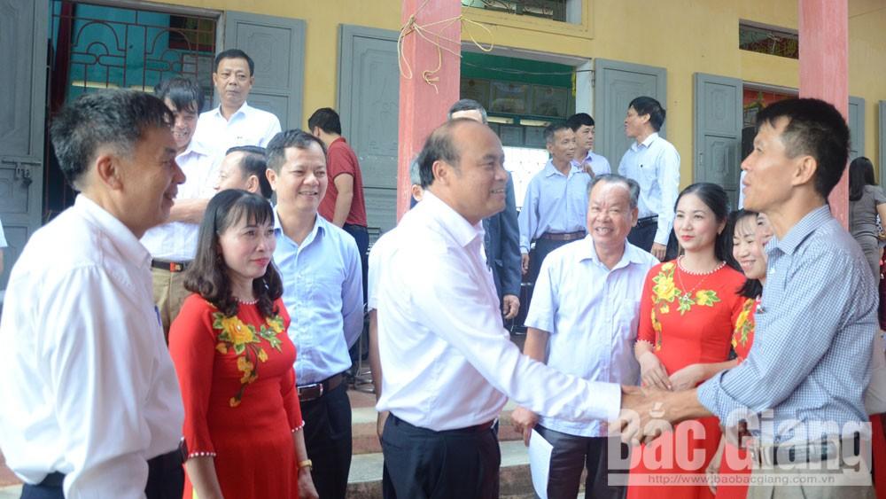 Chủ tịch UBND tỉnh Nguyễn Văn Linh dự Ngày hội đại đoàn kết toàn dân tại huyện Yên Dũng