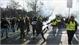Pháp: Hơn 400 người bị thương trong các cuộc biểu tình phản đối tăng giá nhiên liệu