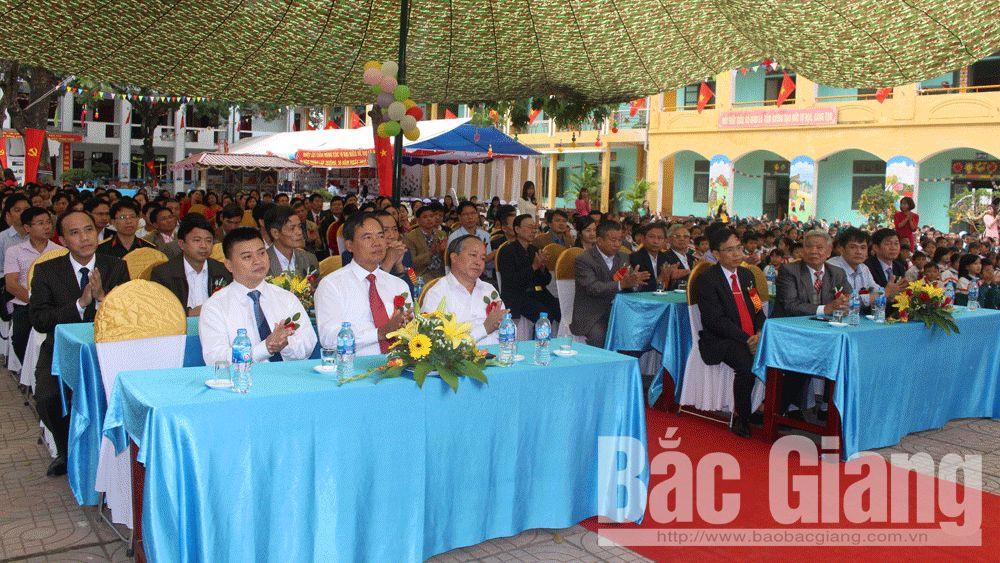 Nhà giáo Việt Nao; Cờ thi đua; Cao Thượng