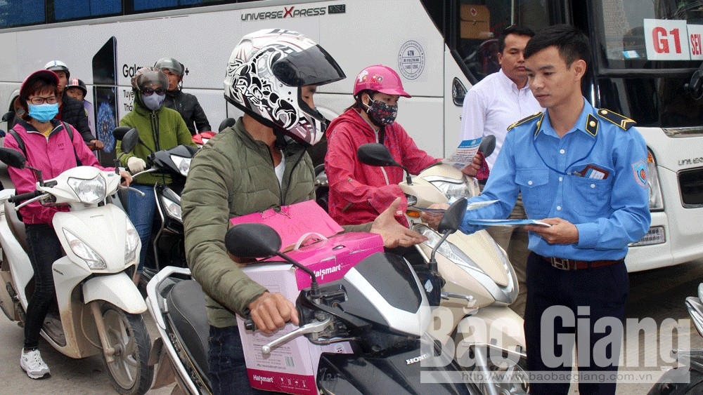 Thousands of  drivers, victims of road traffic accident, Bac Giang province, Commemorate the gone, For the present, Traffic Safety Board, traffic safety leaflet