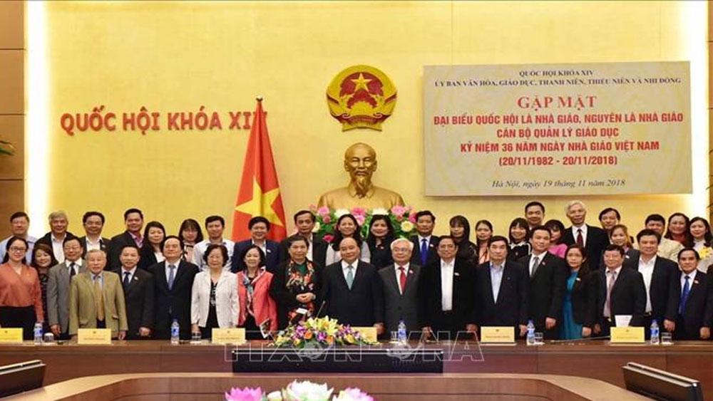 Thủ tướng Nguyễn Xuân Phúc gặp gỡ các nhà giáo, cán bộ quản lý giáo dục tiêu biểu