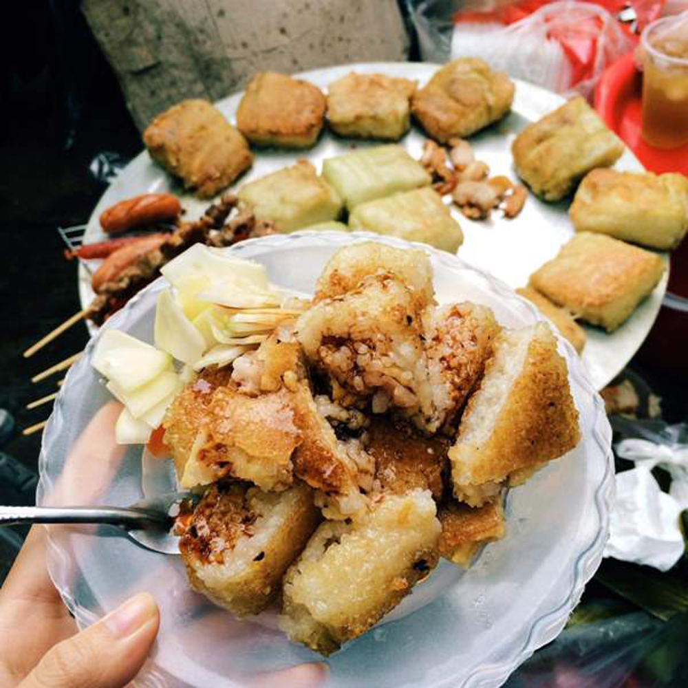 Delicious food, early-winter days, Hanoi, specific delicious food, peddling of com,   various dishes, vegetable pickles, soy sauce