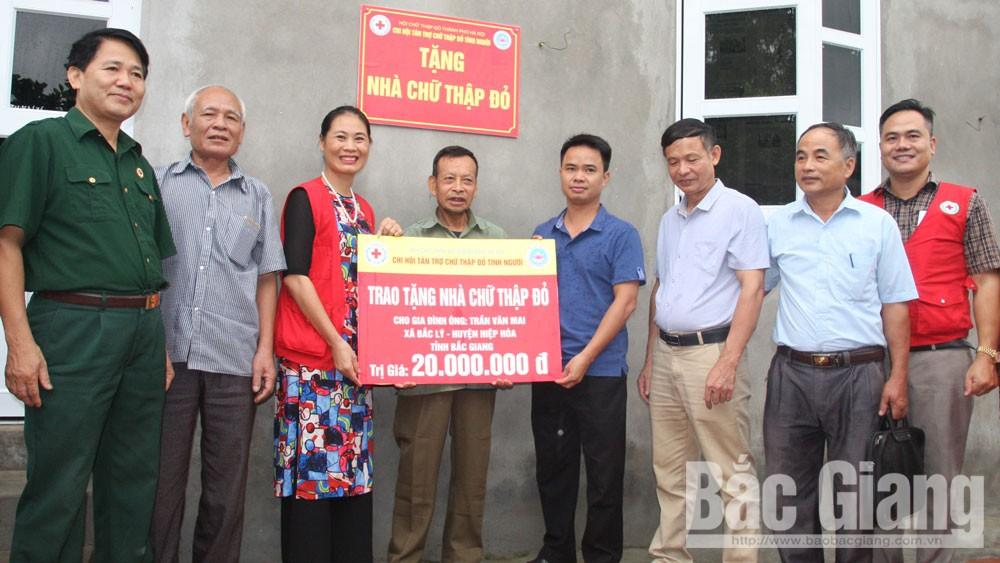 Hiệp Hòa: Không để hộ nghèo nào thiếu nhà ở