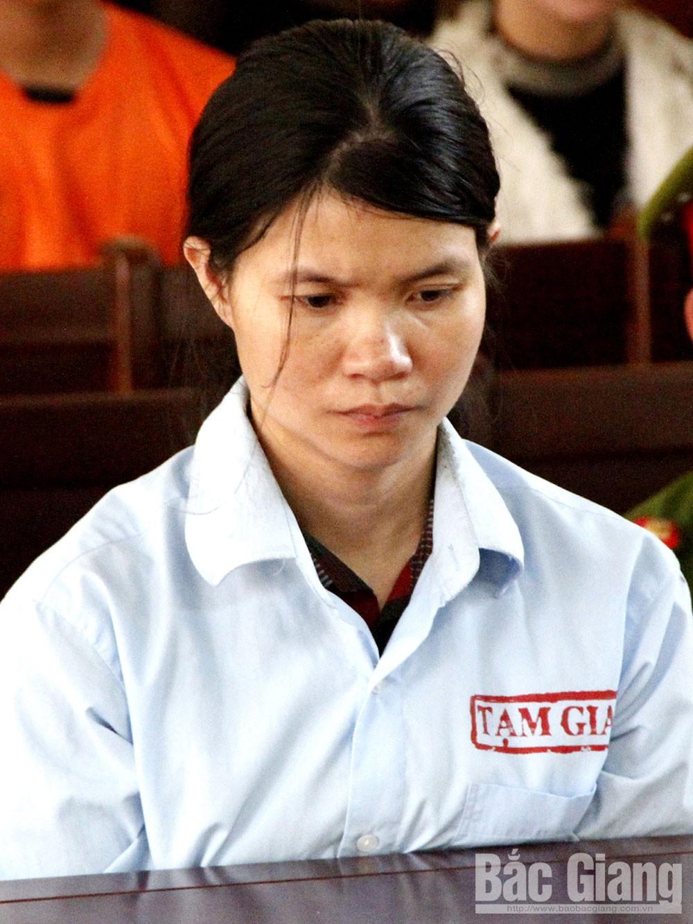 Nguyễn Thị Thời tại phiên tòa.