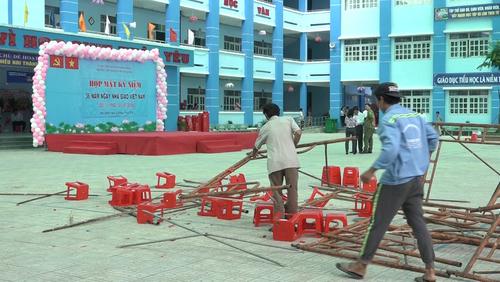 Sập giàn giáo trong trường tiểu học ở TP Hồ Chí Minh, 25 trẻ nhập viện