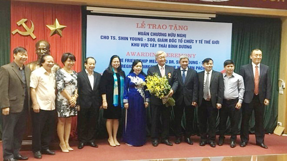 Friendship Order, WHO official, Dr. Shin Young-soo, World Health Organisation, Vietnam's healthcare sector, great contributions, key role