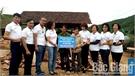 Trao hơn 80 triệu đồng cho gia đình anh Ngọc Văn Hồng xây dựng nhà ở