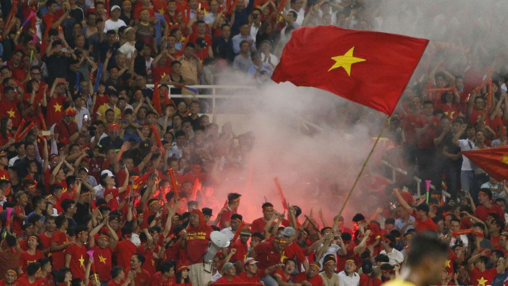"""Quang Hải, Bùi Tiến Dũng: """"Chúng tôi không cần pháo sáng"""""""