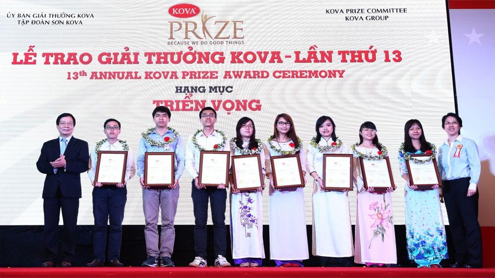 Phó Thủ tướng Vũ Đức Đam dự Lễ trao Giải thưởng và học bổng KOVA lần thứ 16-2018