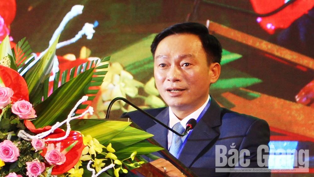 Ông Nguyễn Thanh Bình, Chủ tịch UBND huyện Lục Ngạn phát biểu tại lễ khai mạc.