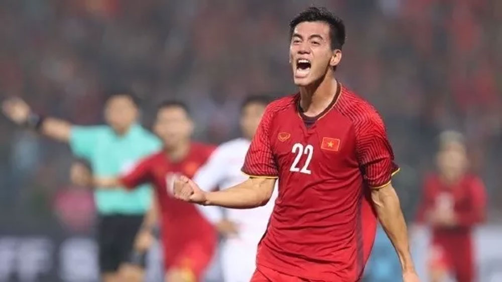 Vietnam thrash Cambodia 3-0 to advance as Group A leaders