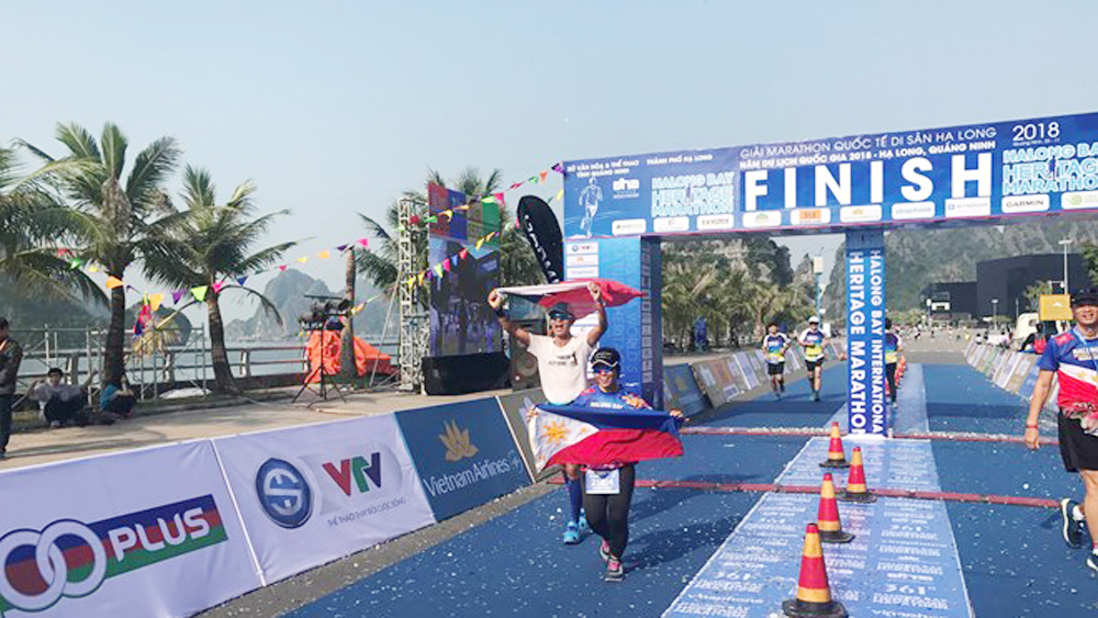 Nearly 2,000 runners compete at Ha Long Bay Heritage Marathon