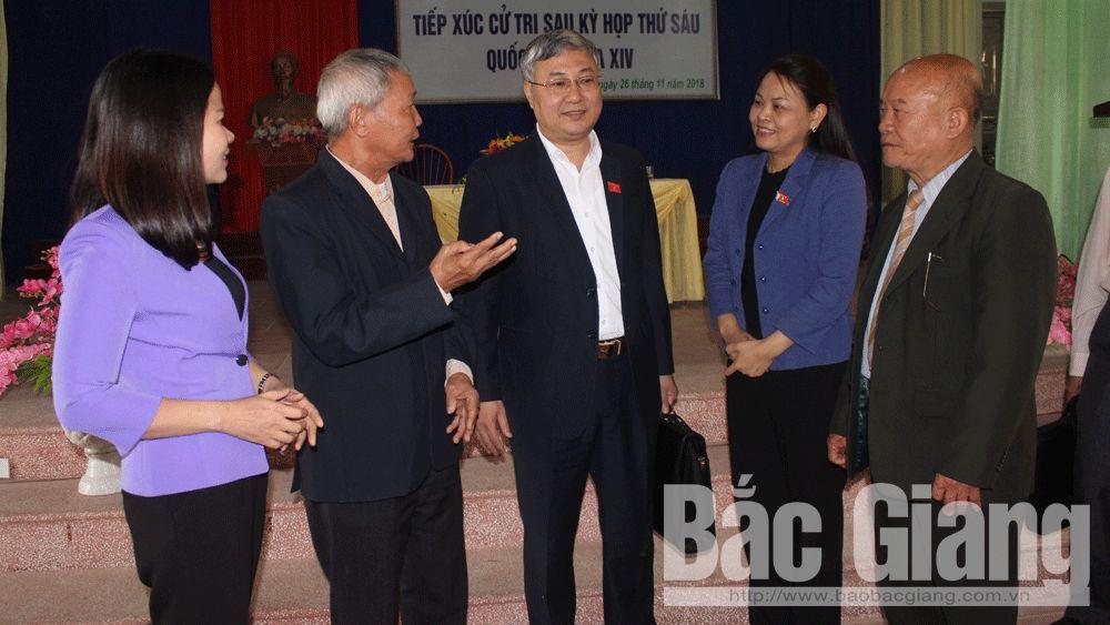 Đại biểu Quốc hội tiếp xúc cử tri huyện Tân Yên: Chú trọng giải quyết ô nhiễm môi trường, bảo đảm ATGT