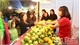 Over 20 enterprises visit, sign contracts at Luc Ngan fruit fair