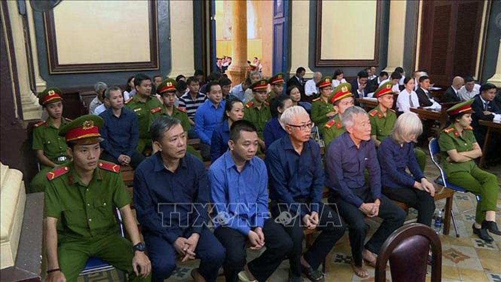 Xét xử, vụ án thiệt hại hơn 3.608 tỷ đồng tại Ngân hàng Đông Á, Trần Phương Bình, Phan Văn Anh Vũ, hầu tòa