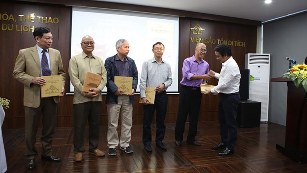 Ra mắt bộ sách quý về 22 ngôi đình - chùa tiêu biểu của Việt Nam