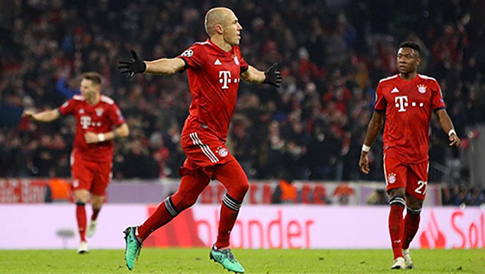 Bayern đi tiếp nhờ công Robben và Lewandowski