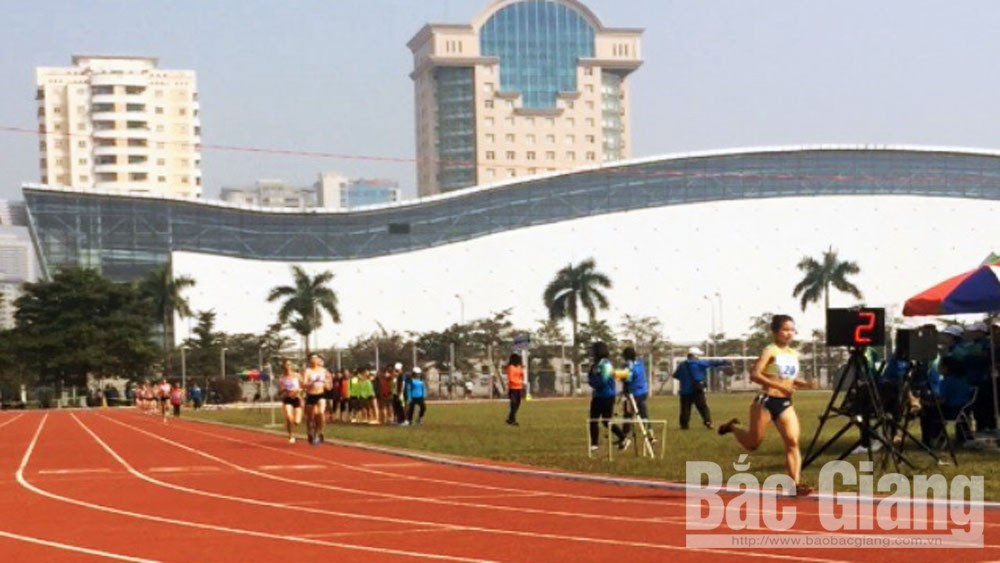 Nguyễn Thị Oanh phá kỷ lục Đại hội, giành HCV chạy 1.500 m nữ