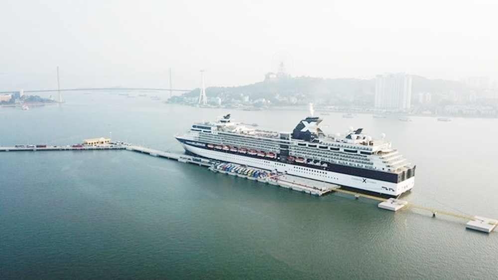 Ha Long International Cruise Port welcomes first cruise ship