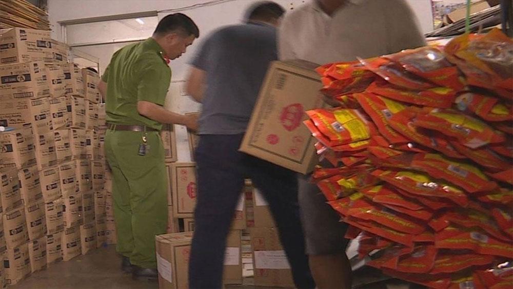Giám định, xác nhận 10 tấn hạt nêm Knorr và bột ngọt không nguồn gốc vừa bị bắt là hàng giả