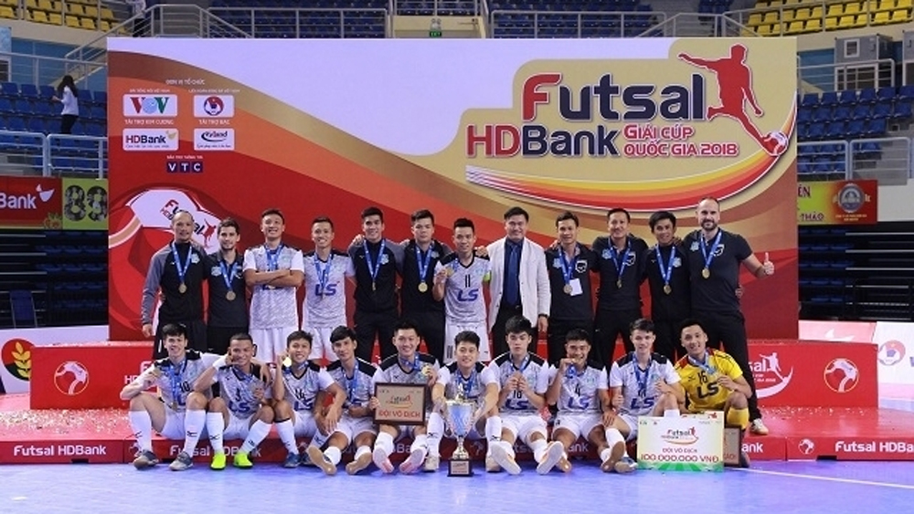 Thai Son Nam club lift National Futsal Cup trophy