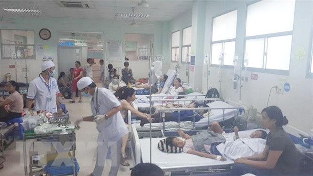 Vụ ngộ độc thực phẩm tại Đắk Lắk: Thêm 30 người nhập viện cấp cứu