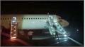 Máy bay Vietjet rơi 2 bánh khi hạ cánh, 200 khách tiếp đất bằng phao trượt