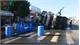 Xe tải chở 30 tấn axit lật trước nhà dân