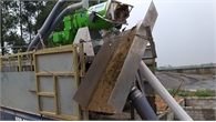 Dự án LCASP hỗ trợ 02 mô hình máy ép tách phân di động cho hộ chăn nuôi