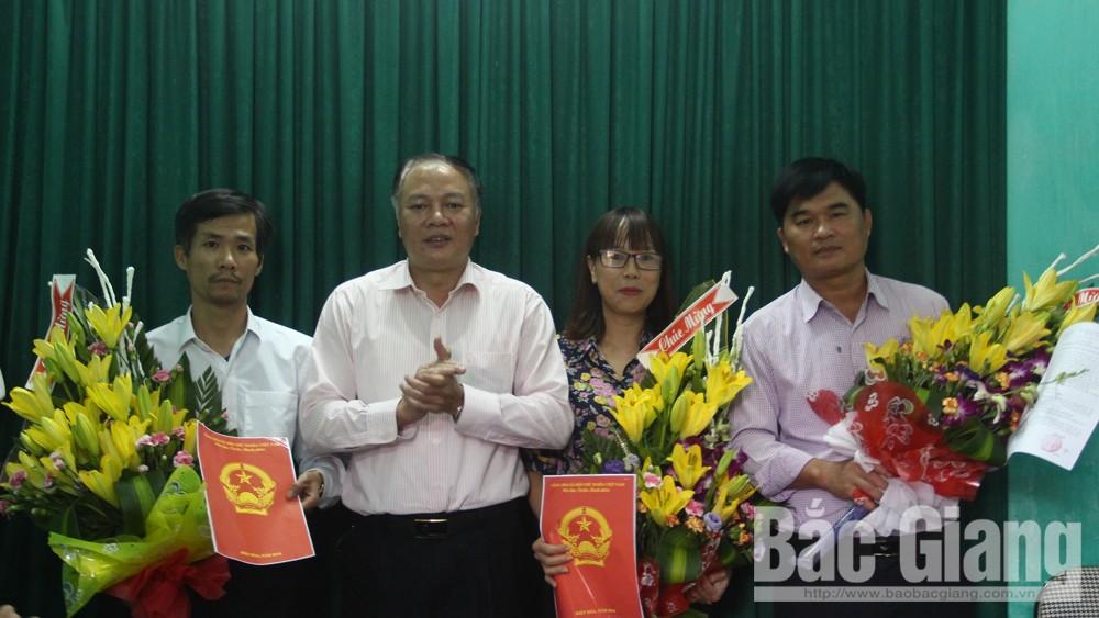 Công bố Quyết định thành lập Trung tâm Văn hóa, Thông tin và Thể thao huyện