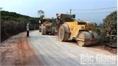 Đầu tư 4,4 tỷ đồng sửa chữa đường dẫn vào hồ Khuôn Thần