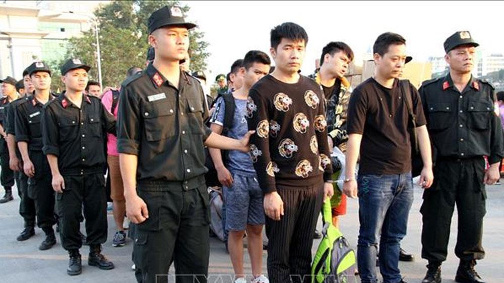 Bắt 10 đối tượng người Trung Quốc lừa đảo bán hàng qua mạng