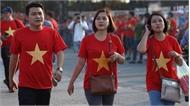 Cổ động viên Việt Nam phủ đỏ các ngả đường tới sân Mỹ Đình trước giờ bóng lăn