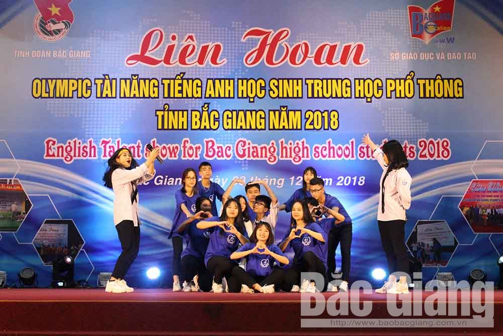 Ngo Si Lien Highschool, Bac Giang province, Bac Giang students, highschools, first prize, English Talent Show, social networks,  multiple choice questions, fill-in-the-blank part