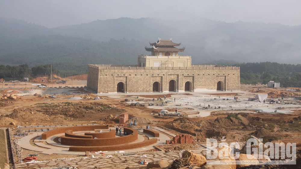 Công trường khu du lịch tâm linh - sinh thái Tây Yên Tử: Sôi động những ngày  cuối năm