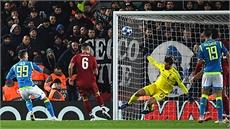 Liverpool hạ Napoli, vào vòng 1/8 Champions League