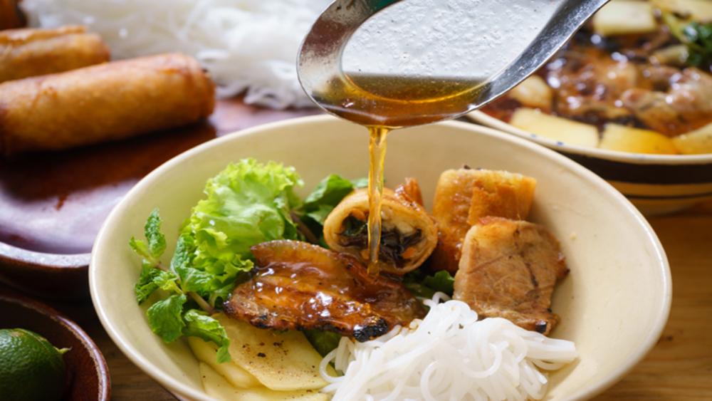 Eat in Hanoi before you die, UK magazine advises