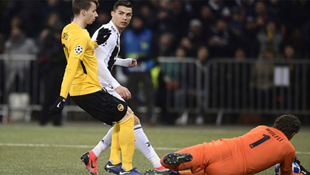 Juventus thua trận cuối, nhưng vẫn xếp trên Man Utd